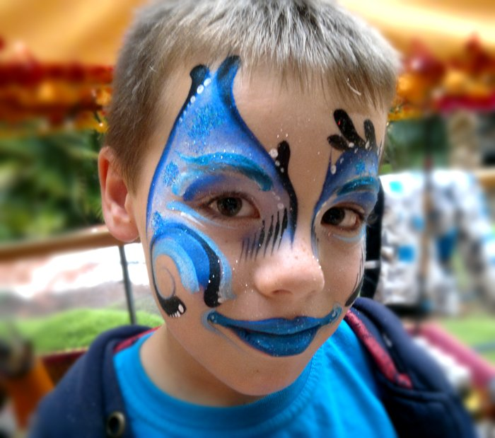 maquillage enfant papillon bleu