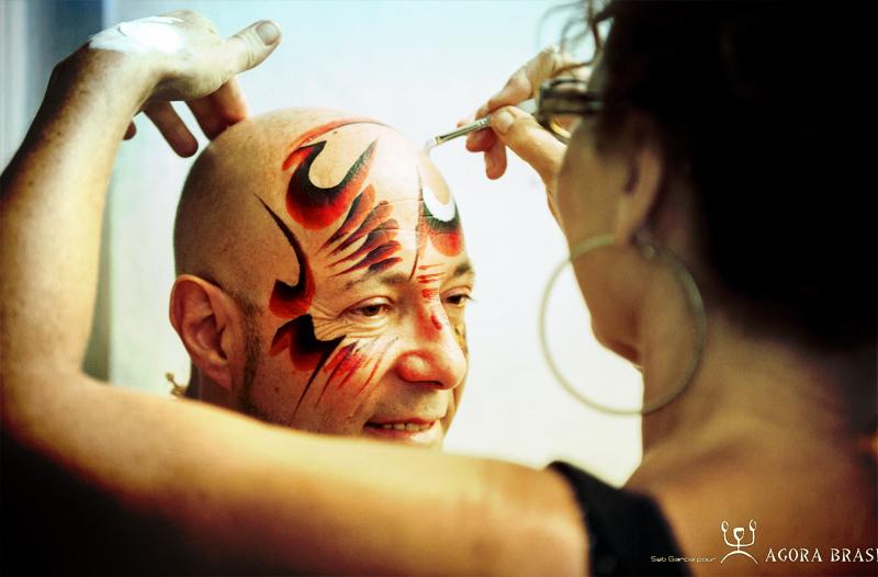 Un beau maquillage pour coiffure !